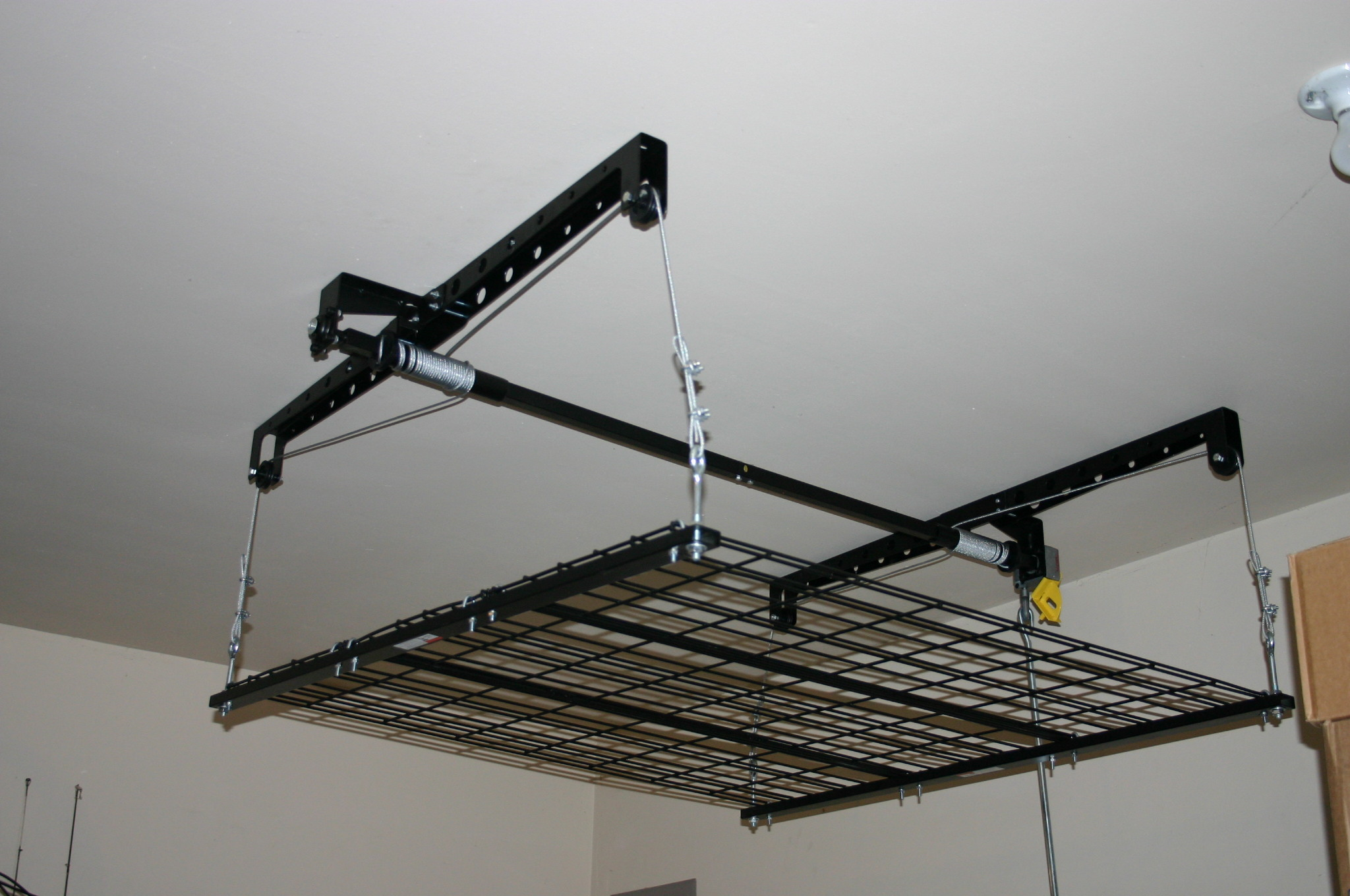 Top 5 benefits of Phoenix Overhead Garage Storage Systems
